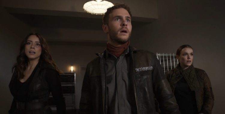 Reviews Agents of SHIELD: Together or Not at All