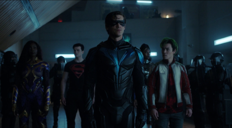 Review Titans: Troubled Water